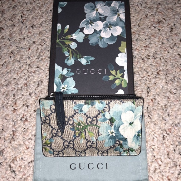 862bf397f52 Gucci Accessories - Gucci Blue Multicolor GG Supreme Blooms Key Holder